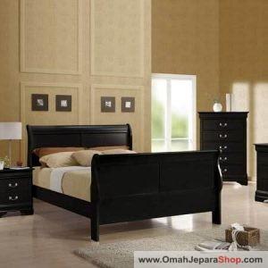 Tempat Tidur Kayu Simple